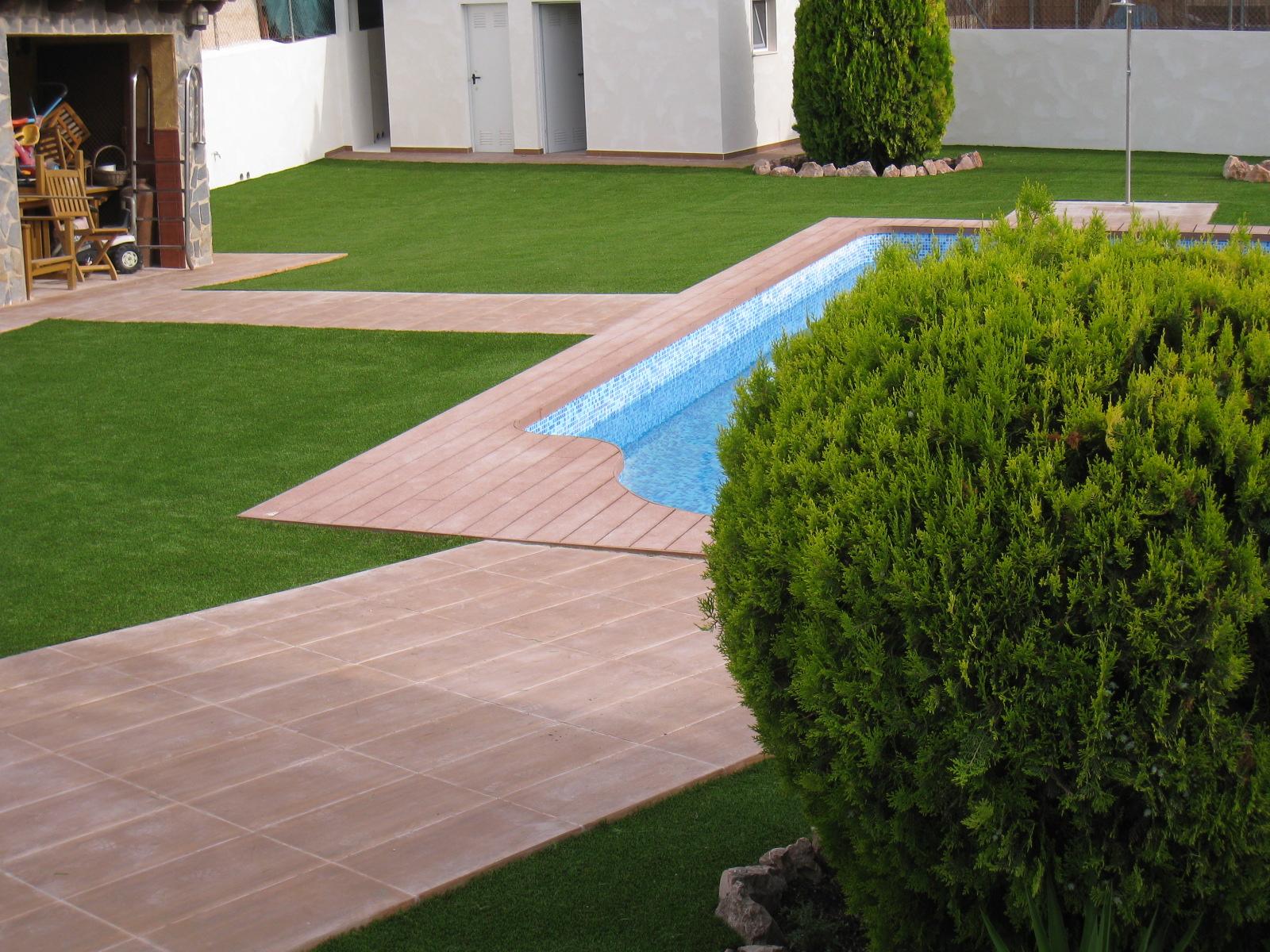 csped artificial en jardines